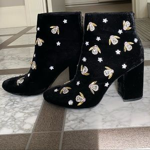 Embellished velvet booties. Kenneth Cole. Size 7.5